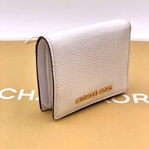 Michael Kors JST Carryall Md Wallet White